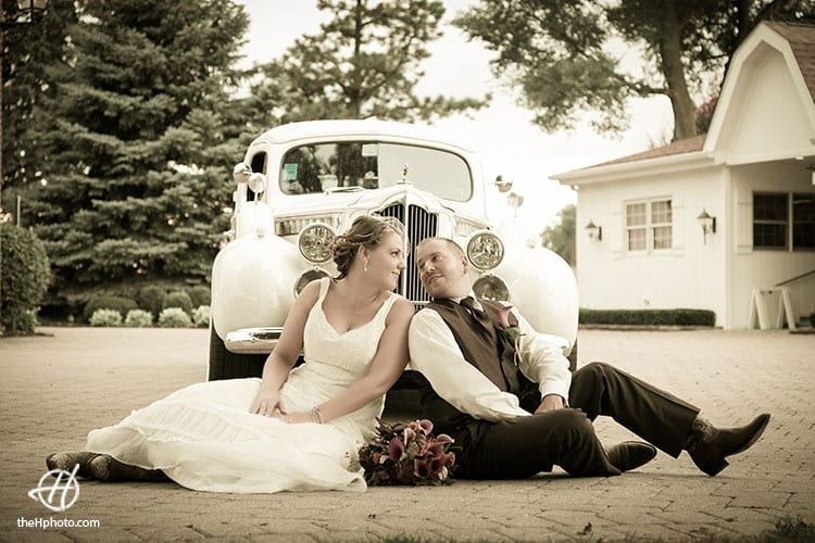 old-car-wedding