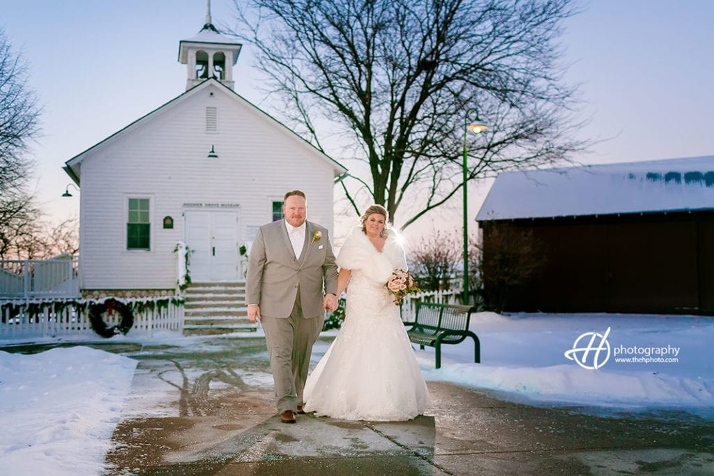 Hoosier-Grove-Barn-Winter-wedding-Julie-Jeff-14-1024x683.jpg