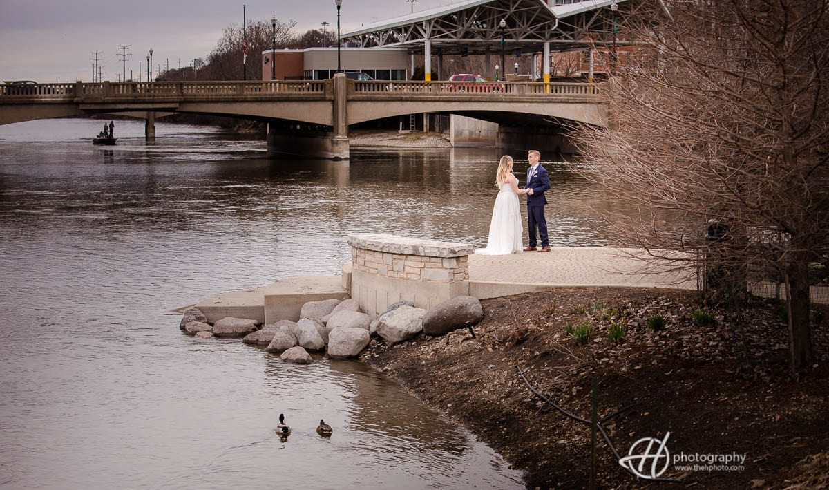 portraits by the Fox River